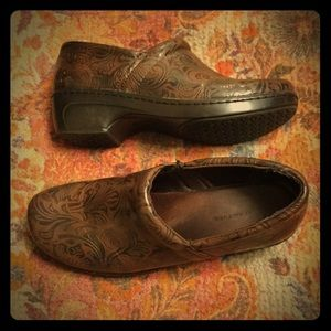 Wear Ever Brown Casual Shoe